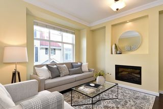 "Photo 3: 48 3009 156 Street in Surrey: Grandview Surrey Townhouse for sale in ""KALLISTO"" (South Surrey White Rock)  : MLS®# R2434829"