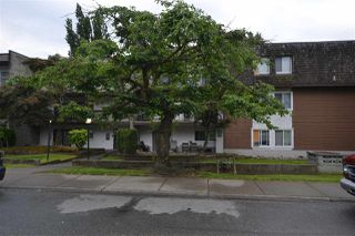 Photo 1: 305 33850 FERN Street in Abbotsford: Central Abbotsford Condo for sale : MLS®# R2463622