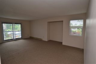 Photo 4: 305 33850 FERN Street in Abbotsford: Central Abbotsford Condo for sale : MLS®# R2463622