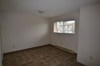 Photo 12: 305 33850 FERN Street in Abbotsford: Central Abbotsford Condo for sale : MLS®# R2463622