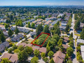 Photo 27: 9316 122 Street in Surrey: Queen Mary Park Surrey House for sale : MLS®# R2475045