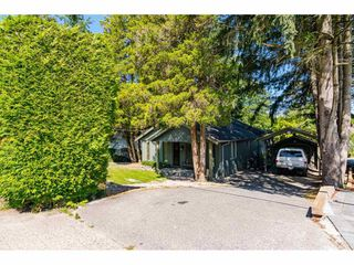 Photo 2: 9316 122 Street in Surrey: Queen Mary Park Surrey House for sale : MLS®# R2475045