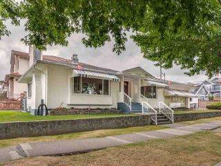 Photo 1: 1908 PENTICTON Street in Vancouver: Renfrew VE House for sale (Vancouver East)  : MLS®# R2493342