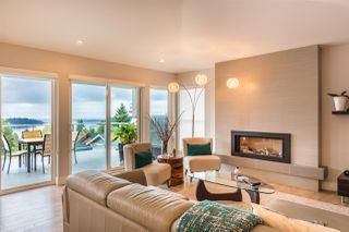Photo 3: 6196 LOOKOUT Avenue in Sechelt: Sechelt District House for sale (Sunshine Coast)  : MLS®# R2496666
