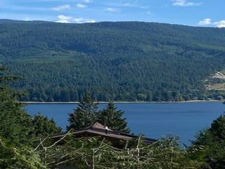 Main Photo: 6196 LOOKOUT Avenue in Sechelt: Sechelt District House for sale (Sunshine Coast)  : MLS®# R2496666