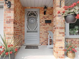 Photo 2: 655 COUNTRY CLUB Drive in London: South P Residential for sale (South)  : MLS®# 40021878