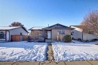 Photo 3: 1823 Summerfield Boulevard SE: Airdrie Detached for sale : MLS®# A1051150