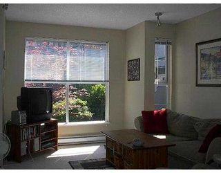 "Photo 3: 11 877 W 7TH AV in Vancouver: Fairview VW Townhouse for sale in ""EMERALD COURT"" (Vancouver West)  : MLS®# V601474"