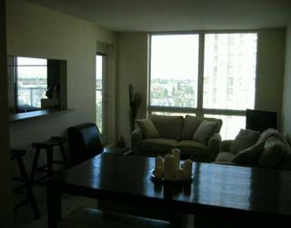 """Photo 2: 1507 3663 CROWLEY DR in Vancouver: Collingwood Vancouver East Condo for sale in """"LATITUDE"""" (Vancouver East)  : MLS®# V606003"""
