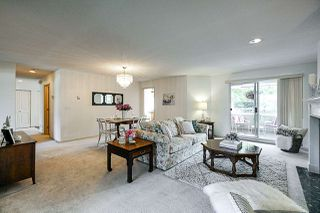 """Photo 5: 155 20391 96 Avenue in Langley: Walnut Grove Townhouse for sale in """"CHELSEA GREEN"""" : MLS®# R2387882"""