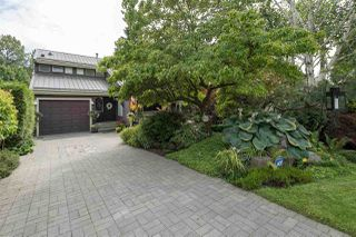Main Photo: 711 W 20TH Street in North Vancouver: Mosquito Creek House for sale : MLS®# R2388878