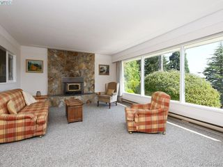 Photo 4: 5070 Catalina Terrace in VICTORIA: SE Cordova Bay Single Family Detached for sale (Saanich East)  : MLS®# 414943