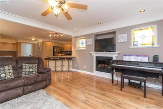 Photo 3: 133 Gibraltar Bay Drive in VICTORIA: VR Six Mile Single Family Detached for sale (View Royal)  : MLS®# 419979