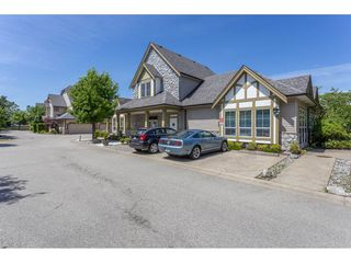 """Photo 19: 36 18707 65 Avenue in Surrey: Cloverdale BC Townhouse for sale in """"LEGENDS"""" (Cloverdale)  : MLS®# R2447874"""