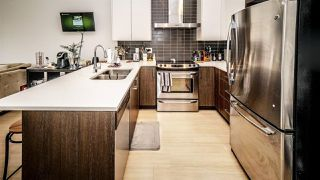 """Photo 8: 501 6480 195A Street in Surrey: Clayton Condo for sale in """"SALIX"""" (Cloverdale)  : MLS®# R2448079"""