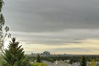 Photo 1: 115 SIGNAL HILL PT SW in Calgary: Signal Hill House for sale : MLS®# C4267987