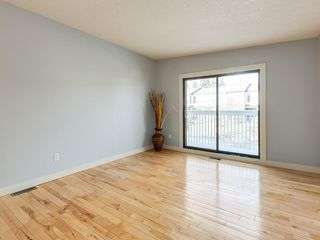 Photo 4: 25 Silverdale PL NW in Calgary: Silver Springs House for sale : MLS®# C4290404
