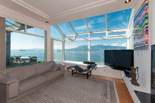 Photo 8: 2711 POINT GREY Road in Vancouver: Kitsilano House for sale (Vancouver West)  : MLS®# R2471320