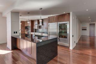 Photo 12: 1200 11933 JASPER Avenue in Edmonton: Zone 12 Condo for sale : MLS®# E4208205