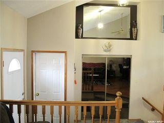 Photo 3: 431 Clasky Drive in Estevan: Residential for sale : MLS®# SK827651