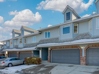 Photo 3: 112 Valley Ridge Heights NW in Calgary: Valley Ridge Row/Townhouse for sale : MLS®# A1045679