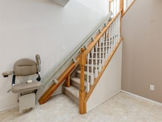 Photo 5: 112 Valley Ridge Heights NW in Calgary: Valley Ridge Row/Townhouse for sale : MLS®# A1045679