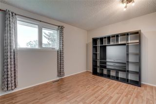 Photo 15: 6807 24 Avenue NE in Calgary: Pineridge Detached for sale : MLS®# C4258740
