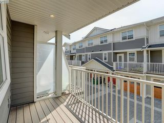 Photo 14: 11 3356 Whittier Ave in VICTORIA: SW Rudd Park Row/Townhouse for sale (Saanich West)  : MLS®# 820607