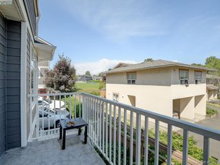 Photo 13: 11 3356 Whittier Ave in VICTORIA: SW Rudd Park Row/Townhouse for sale (Saanich West)  : MLS®# 820607