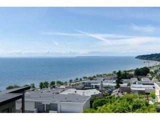 Photo 2: 15050 BEACHVIEW Avenue: White Rock House for sale (South Surrey White Rock)  : MLS®# R2398416
