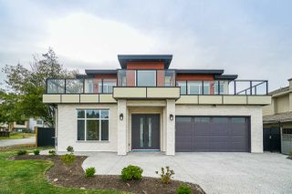 Main Photo: 7913 133A Street in Surrey: West Newton House for sale : MLS®# R2399036