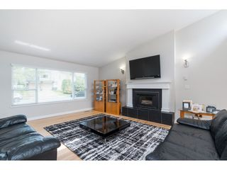 Photo 3: 2961 CAMROSE Drive in Burnaby: Montecito House for sale (Burnaby North)  : MLS®# R2408423