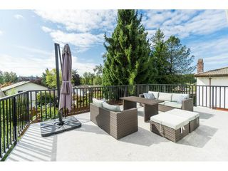 Photo 16: 2961 CAMROSE Drive in Burnaby: Montecito House for sale (Burnaby North)  : MLS®# R2408423