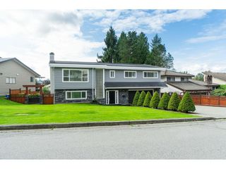 Photo 2: 2961 CAMROSE Drive in Burnaby: Montecito House for sale (Burnaby North)  : MLS®# R2408423