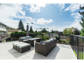 Photo 18: 2961 CAMROSE Drive in Burnaby: Montecito House for sale (Burnaby North)  : MLS®# R2408423
