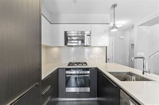 "Photo 5: 536 W 7TH Avenue in Vancouver: Fairview VW Townhouse for sale in ""CAMBIE + 7"" (Vancouver West)  : MLS®# R2409955"