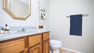 Photo 8: 103 Bernadine Crescent in Winnipeg: Crestview Residential for sale (5H)  : MLS®# 202011362