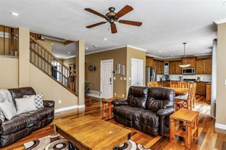"""Photo 6: 17968 71A Avenue in Surrey: Cloverdale BC House for sale in """"Provinceton"""" (Cloverdale)  : MLS®# R2492909"""