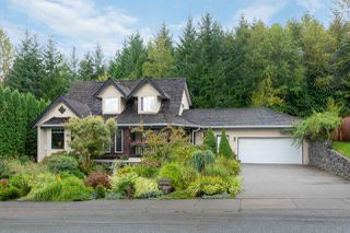 Main Photo: 2028 BLUEBIRD Place in Squamish: Garibaldi Highlands House for sale : MLS®# R2503423