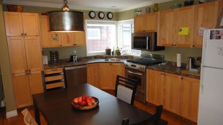 Photo 4: 14716 90 Avenue in Edmonton: Zone 10 House for sale : MLS®# E4219553