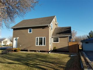 Photo 2: 101 5th Avenue East in Unity: Residential for sale : MLS®# SK831954