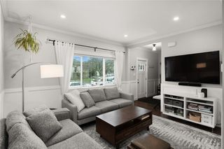 Photo 2: 3122 Glasgow St in : Vi Mayfair House for sale (Victoria)  : MLS®# 862302