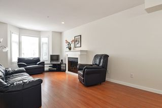 Photo 2: 7 2865 273 Street in Langley: Aldergrove Langley Townhouse for sale : MLS®# R2391389