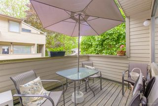 """Photo 14: 5923 MAYVIEW Circle in Burnaby: Burnaby Lake Townhouse for sale in """"ONE ARBOURLANE"""" (Burnaby South)  : MLS®# R2394501"""