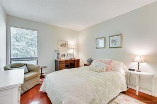 """Photo 12: 5923 MAYVIEW Circle in Burnaby: Burnaby Lake Townhouse for sale in """"ONE ARBOURLANE"""" (Burnaby South)  : MLS®# R2394501"""