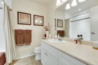 """Photo 13: 5923 MAYVIEW Circle in Burnaby: Burnaby Lake Townhouse for sale in """"ONE ARBOURLANE"""" (Burnaby South)  : MLS®# R2394501"""