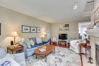 """Photo 3: 5923 MAYVIEW Circle in Burnaby: Burnaby Lake Townhouse for sale in """"ONE ARBOURLANE"""" (Burnaby South)  : MLS®# R2394501"""