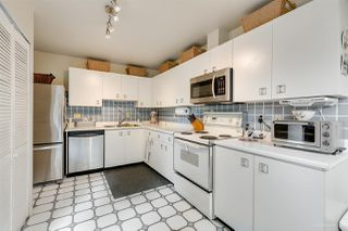 """Photo 6: 5923 MAYVIEW Circle in Burnaby: Burnaby Lake Townhouse for sale in """"ONE ARBOURLANE"""" (Burnaby South)  : MLS®# R2394501"""