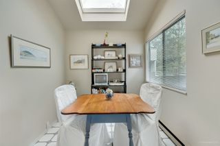 """Photo 8: 5923 MAYVIEW Circle in Burnaby: Burnaby Lake Townhouse for sale in """"ONE ARBOURLANE"""" (Burnaby South)  : MLS®# R2394501"""