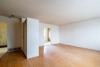 Photo 2: 15712 107A Avenue in Edmonton: Zone 21 House for sale : MLS®# E4179565